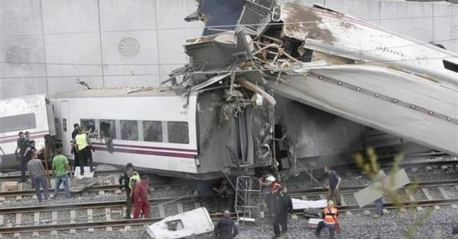 Страшное крушение скоростного поезда в Испании