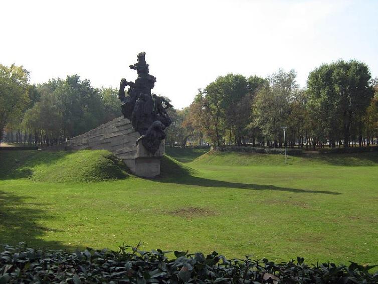 Монумент Бабий Яр