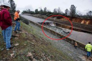 разрушение части плотины Оровилл