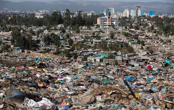 Обвал мусорной свалки в Эфиопии. Видео последствий