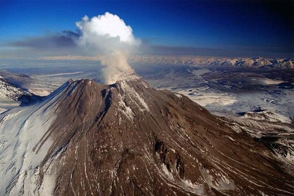 Безымянный вулкан