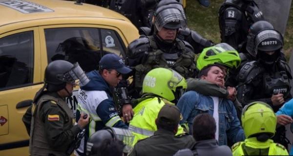 Протесты таксистов в Боготе