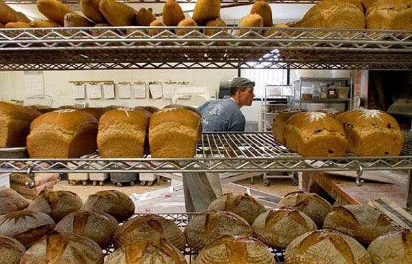 в Санкт-Петербурге заканчивается хлеб