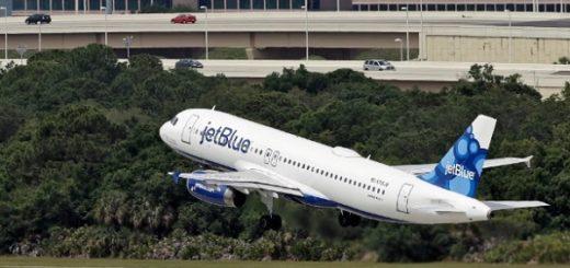 Самолет при взлете