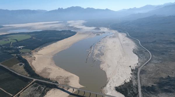 Нехватка воды в Кейптауне