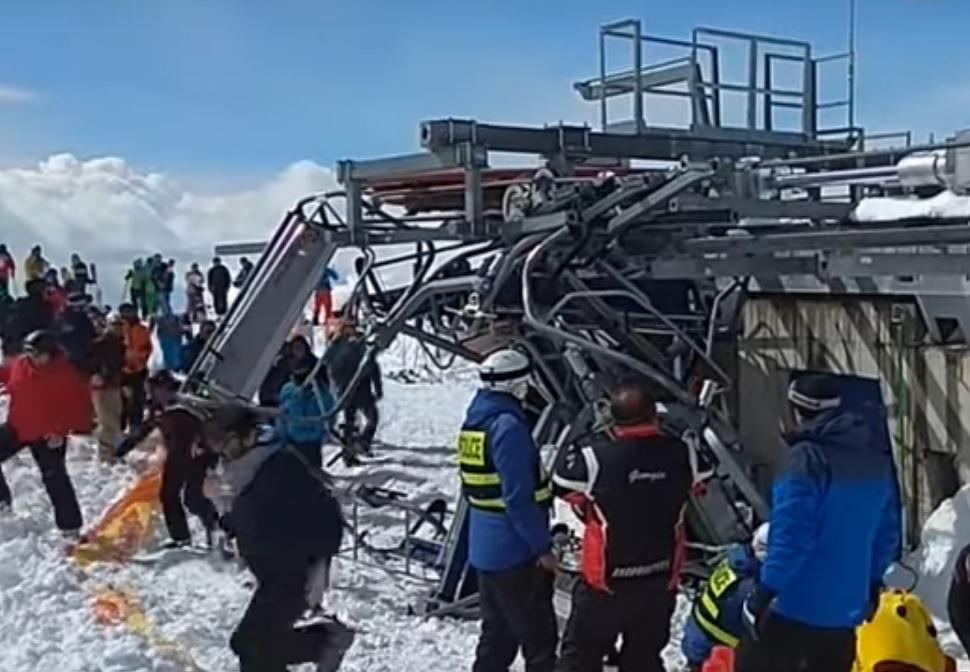 Авария на подъемнике в Гудуари Грузия. Видео аварии с разных ракурсов