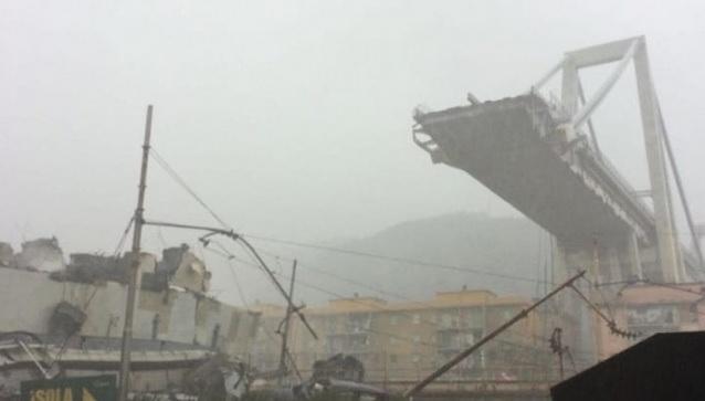 В Италии Генуе рухнул автомобильный мост, фото и видео аварии