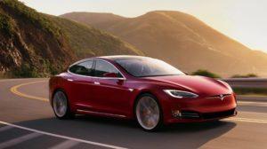 Полиция остановила автомобиль Tesla работающий на автопилоте, в который уснул водитель