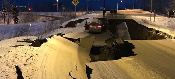 Землетрясение на Аляске сегодня 30.11. Видео последствий землетрясения.