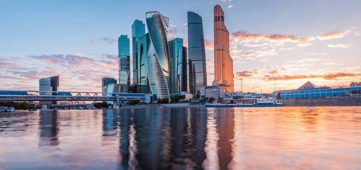 Москва: поэтапная отмена самоизоляции и пропусков